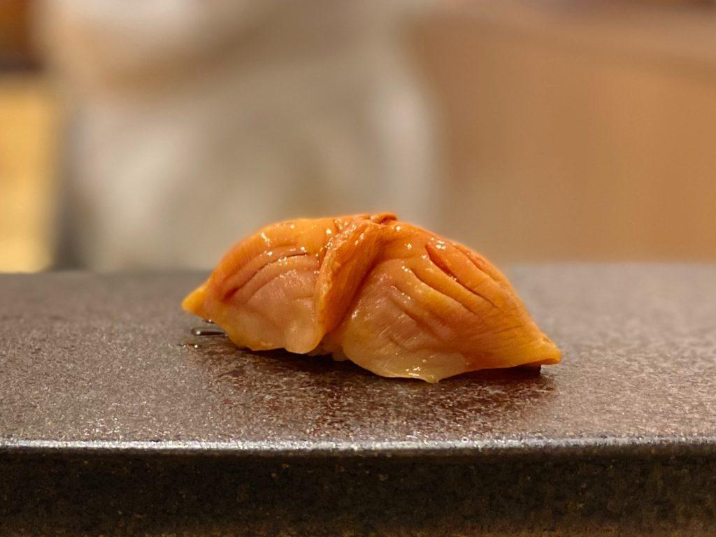 名古屋の寿司屋あま木の赤貝にぎり