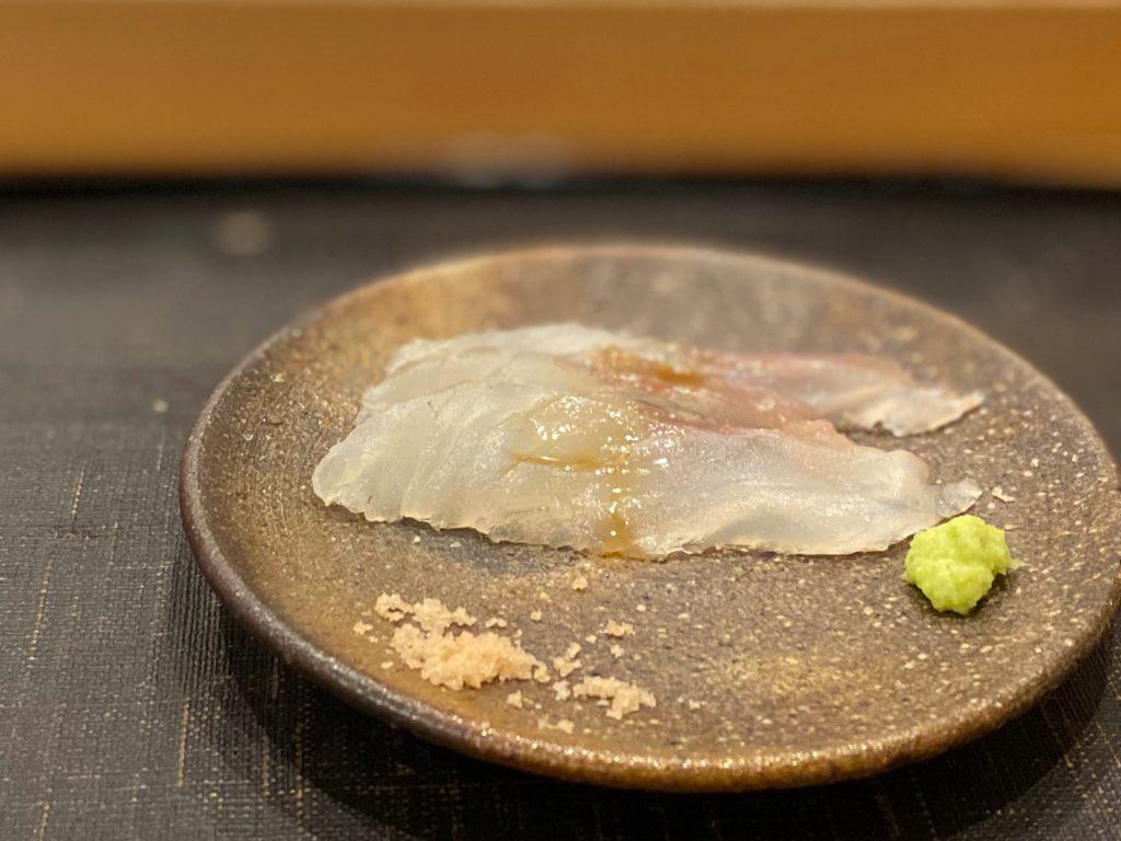 名古屋の寿司屋あま木のコチの刺し身