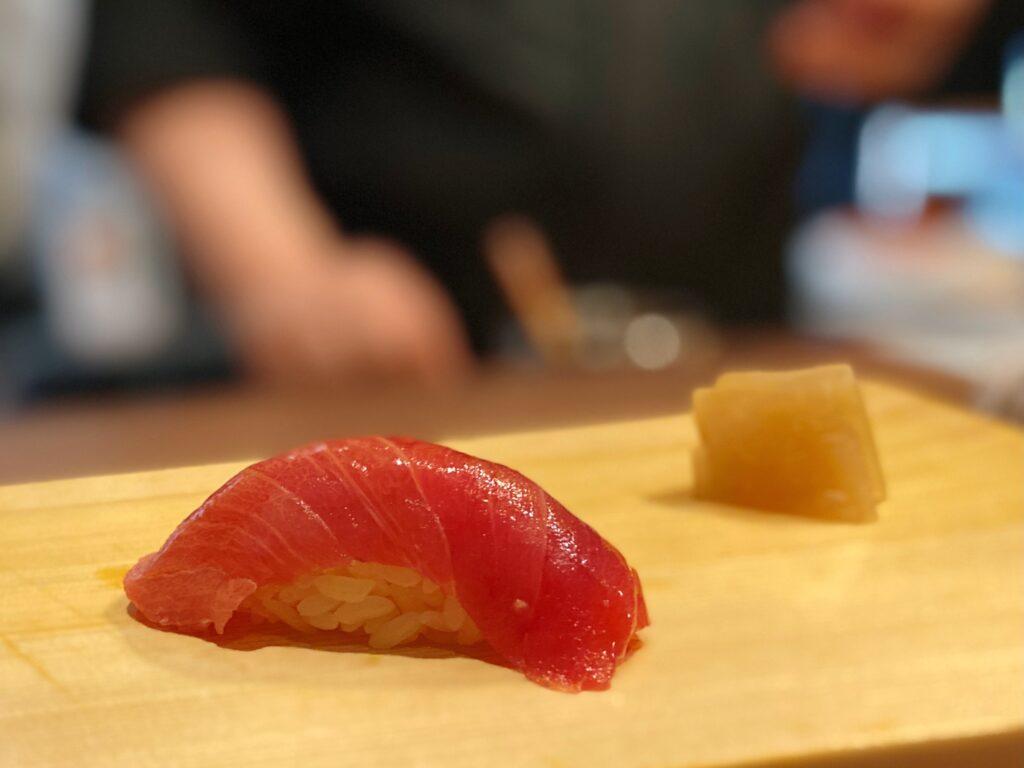 千葉勝浦本マグロ 中トロ握り寿司